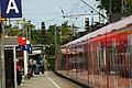 S-Bahn DB 425 581 Richtung Aachen Hbf hält in Aachen West.jpg