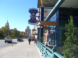 East Commerce entrance to Rivercenter