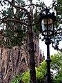 Sagrada Familia parte posterior - panoramio.jpg