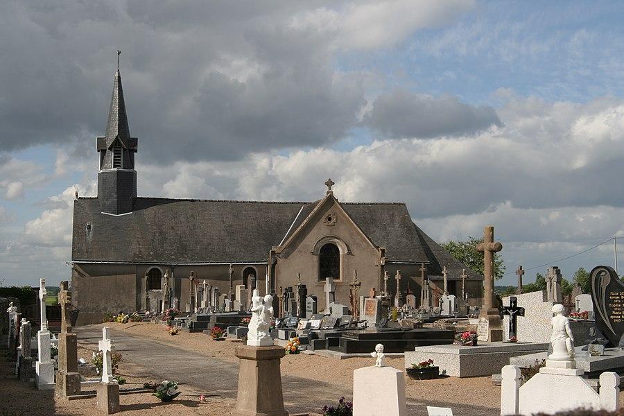 Église et cimetière de Saint-Erblon.