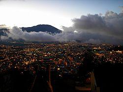 San Juan de Pasto de noche.jpg