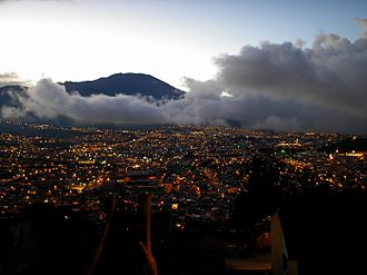 Pasto, Colombia - Image: San Juan de Pasto de noche