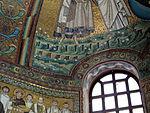 San vitale, ravenna, int., presbiterio, mosaici del catino con redentoretra arcangeli, s. vitale ed ecclesio, 04.JPG