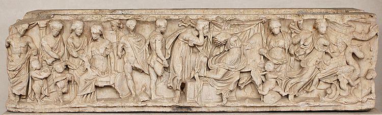 Scene dal mito di Medea: invio dei doni a Creusa, morte di Creusa, partenza di Medea con le salme dei figli. Sarcofago greco di marmo, 150-170 d.C.