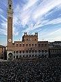 Siena Piazza del Campo Palio.jpg