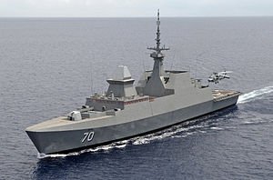 الفرقاطة الفرنسية La Fayette	 300px-Singapore_Navy_guided-missile_frigate_RSS_Steadfast