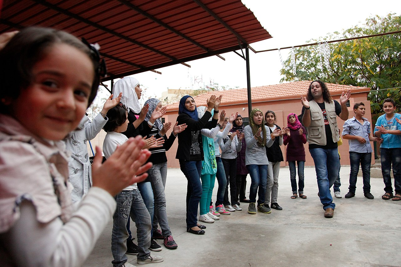 File:Singing helps ease the memories of conflict for Syrian ...