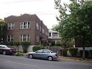 Singles (1992 film) - The apartment building that was used as the main set for Singles.