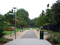 Spa Gardens, London Borough of Southwark, SE1 (2817806403).jpg
