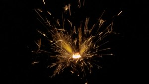 File:Sparkler 359-fps Slow-Motion.webm
