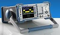 Spektrumanalysator FSL von Rohde & Schwarz.jpg