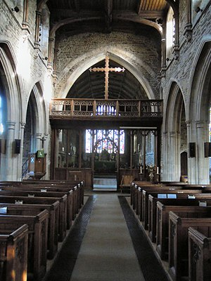 Church of St Andrew, Biggleswade - Looking up the nave towards the East altar