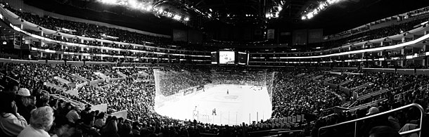 6154fbdaf Panoramic view of an ice hockey game at the Staples Center in Los Angeles