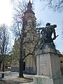 Statue of the Heroes of World War I and St. Leopold church. - Budapest District 22. Budafok, Savoyai Jenő Square.JPG