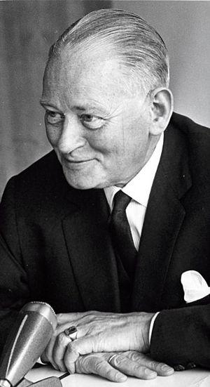 Dirk Stikker - Dirk Stikker in 1964