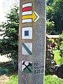 Svatý Jan pod Skalou, turistické značky.jpg