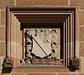 SydneyUniversity GreatHall SandstoneCrest 2.jpg