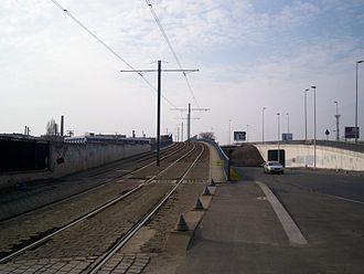 Île-de-France tramway Line 1 - Crossing the Grande Ceinture line at Bobigny in March 2006.