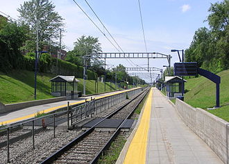 Mount Royal, Quebec - Mont-Royal station serves many commuters to Downtown Montreal