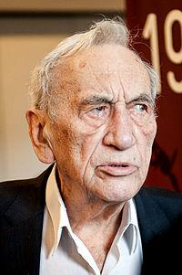 Tadeusz Mazowiecki - Europeana 1989 - TV Interview.jpg