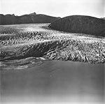 Taku Glacier, tidewater glacier terminus and glacial grooves in the rock, September 1, 1977 (GLACIERS 6248).jpg