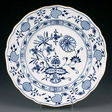 Original Zwiebelmuster Meissen porcelain plate  sc 1 st  Wikipedia & Blue Onion - Wikipedia