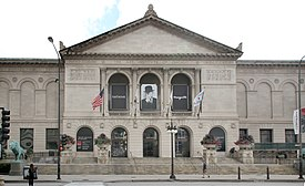 The Art Institute of Ghicago (15439974230).jpg