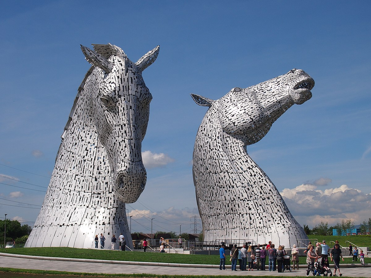 The Kelpies Wikipedia - Amazing horse head sculpture lights scottish skyline