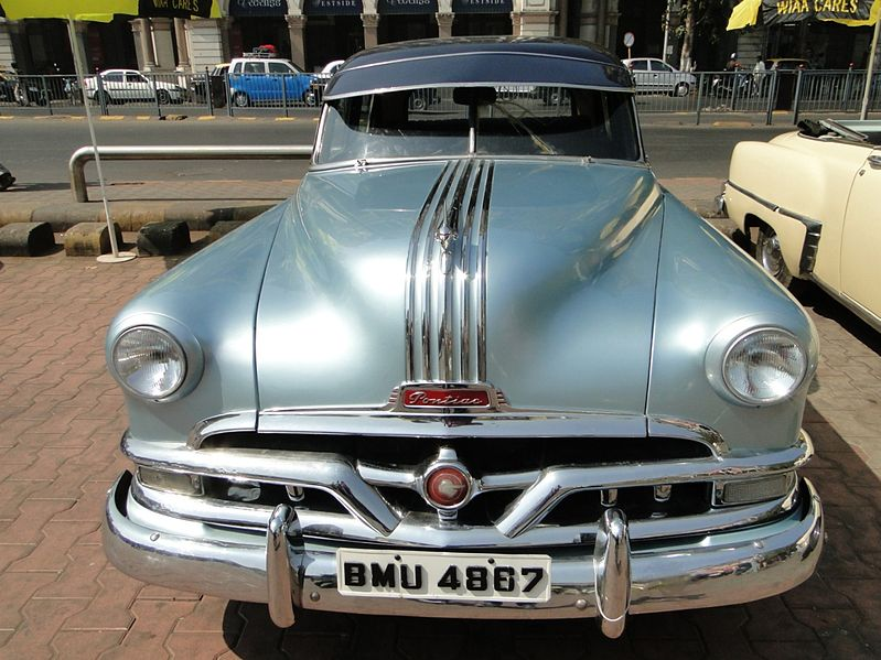 File:The Pontiac vintage car..JPG