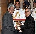 The President, Shri Pranab Mukherjee presenting the Padma Shri Award to Shri Veerendra Raj Mehta, at a Civil Investiture Ceremony, at Rashtrapati Bhavan, in New Delhi on April 08, 2015.jpg