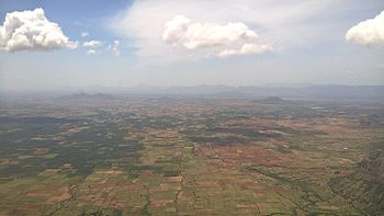 Theni kerala tamilnadu border chaturangapara.jpg
