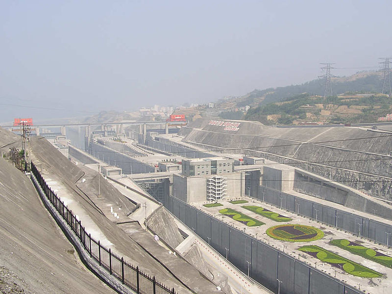 ship locks on dam