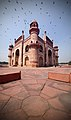 Tomb of Safdarjung with flying tourists.jpg