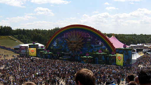 Tomorrowland2010-crop