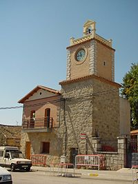 Torre del reloj en Navalagamella.jpg