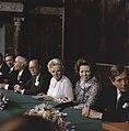 Troonswisseling 30 april bijeenkomst voor de abdicatie het Paleis Bernhard , , Bestanddeelnr 253-8267.jpg