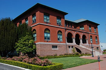 English: City hall. 2263 Santa Clara Avenue. A...