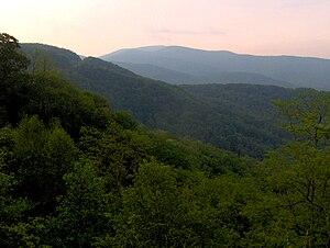 Unicoi Mountains - Image: Unicoi crest cherohala tn 1