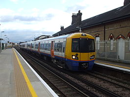 Unit 378150 at Clapham High Street Dec 2012.JPG