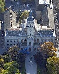 Városháza, Hódmezővásárhely, Kossuth Lajos tér 1 - Hodmezocivertanlegi3.jpg
