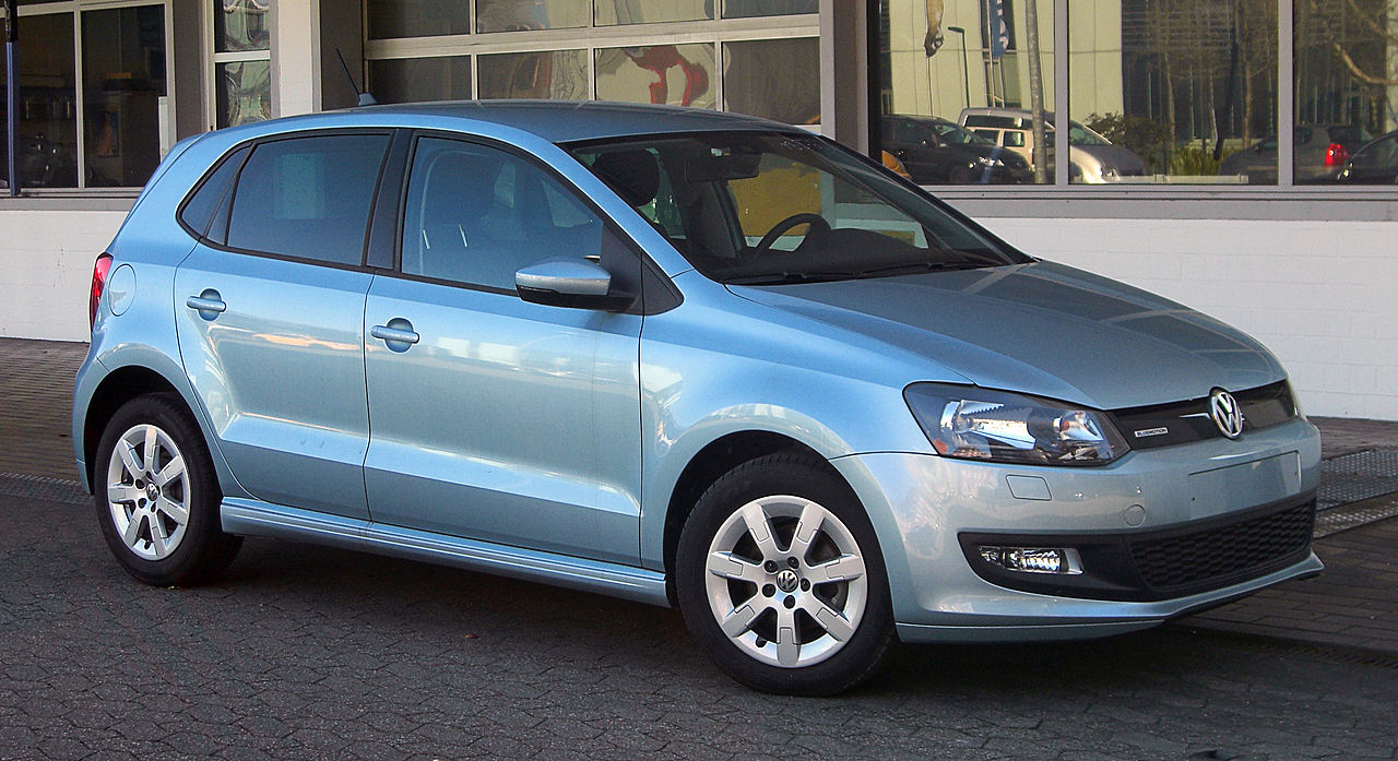 file vw polo 1 2 tdi bluemotion v frontansicht 7 m rz 2011 d wikimedia commons. Black Bedroom Furniture Sets. Home Design Ideas