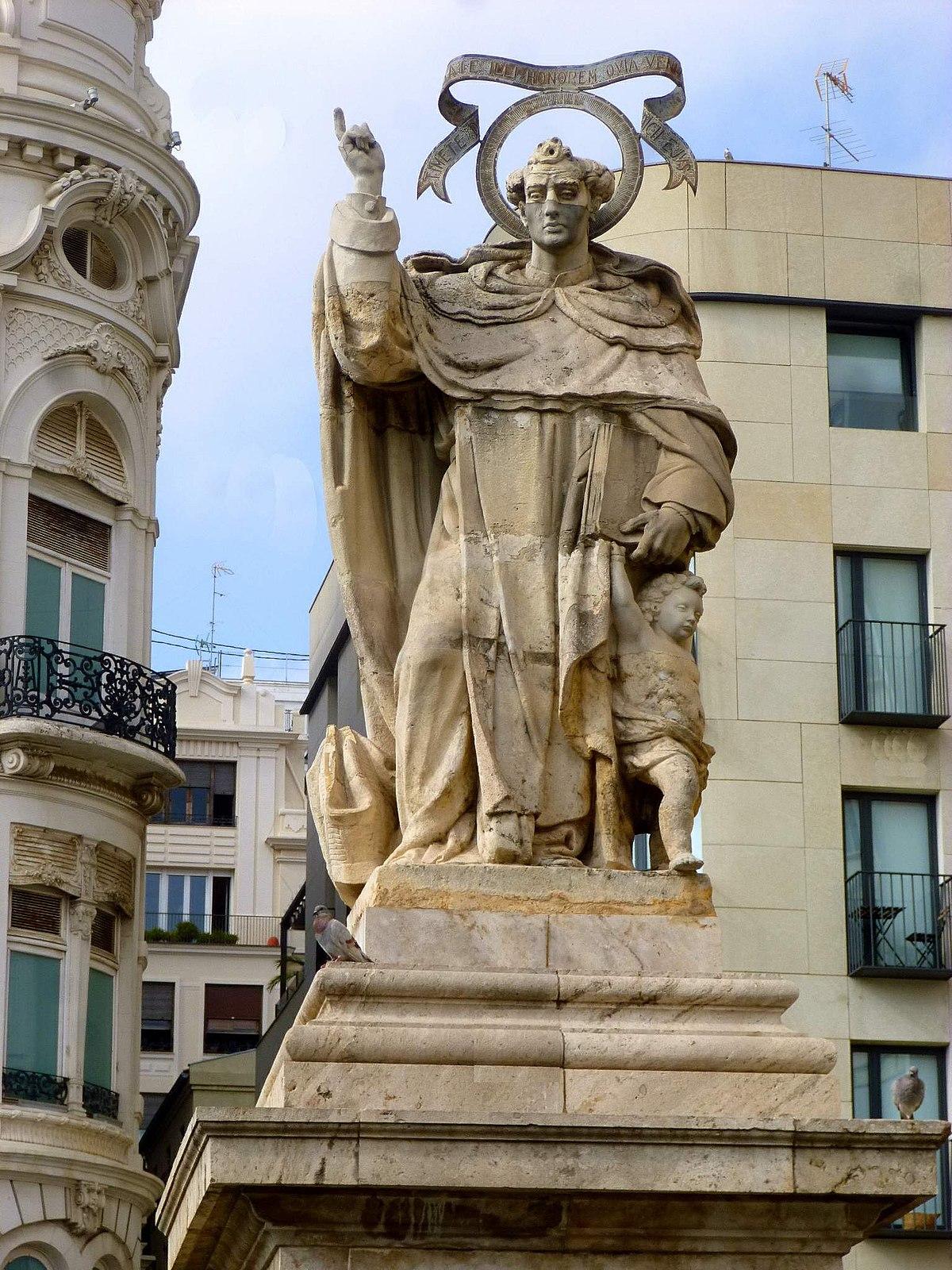 File Valencia Plaza De Tetuán Monumento A San Vicente Ferrer 2 Jpg Wikimedia Commons