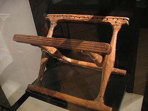 Daensen folding chair - Folding chair from Guldhøj (Denmark, 2nd half of the 14th century BC) as sample for the reconstruction of the wooden construction of the Daensen folding chair.