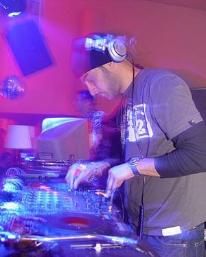 Armand Van Helden - Armand Van Helden in 2004  at the Forum in Trier, Germany