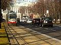 Vienna Ringstrasse Contra Flow Lane - 2 (5366919264).jpg