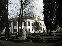 Villa La Quiete e parco antistante (Paese).jpg