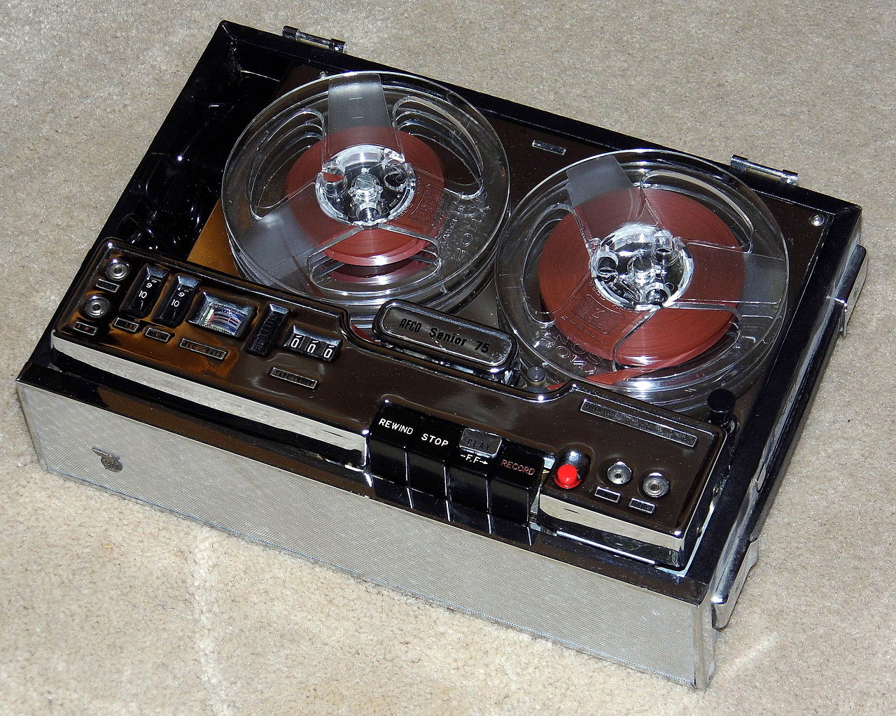 Power Source Battery >> File:Vintage AFCO Senior 75 Reel-To-Reel Tape Recorder, Battery And AC Power, Made In Japan ...