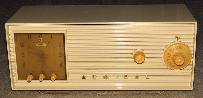 File:Vintage Admiral Clock Radio, Model 5W33, Painted ...