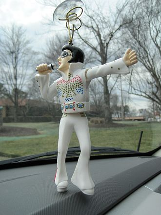 Cultural depictions of Elvis Presley - Wackel-Elvis dashboard figure from a 2001 Audi TV commercial