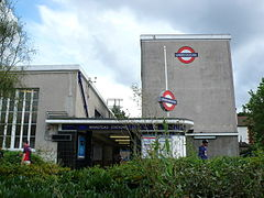 Wanstead Underground station, entrance.jpg